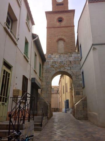 Studio centre village StMarie 66470 P.Orientales