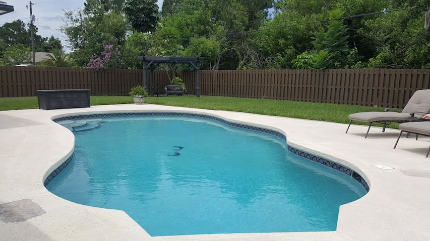 Easy, relaxing living at the Aquarius house!!! - Port St. Lucie - Casa