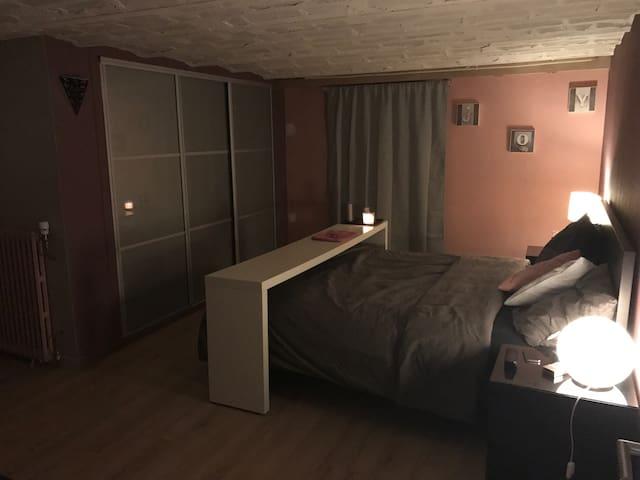 Grande chambre près du RER A - Achères