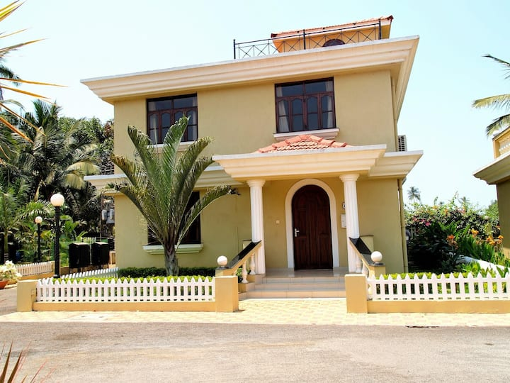 Trip Thrill Majestic Palm 4BHK Villa