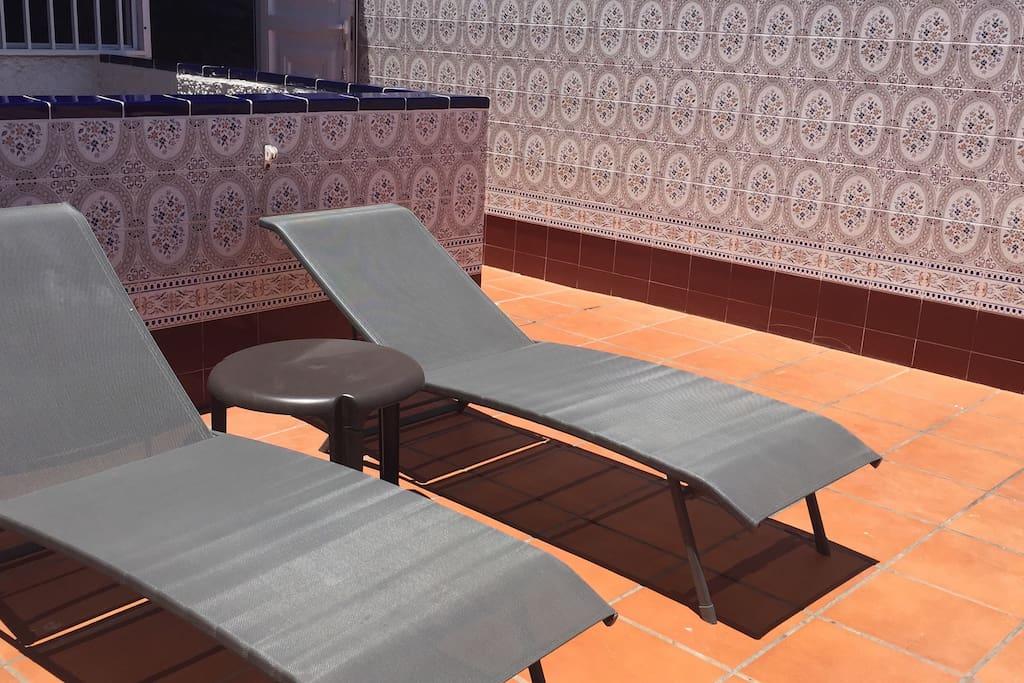 Sun long chairs