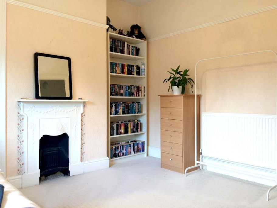 Bright And Spacious Double Room Leeds Airbnb