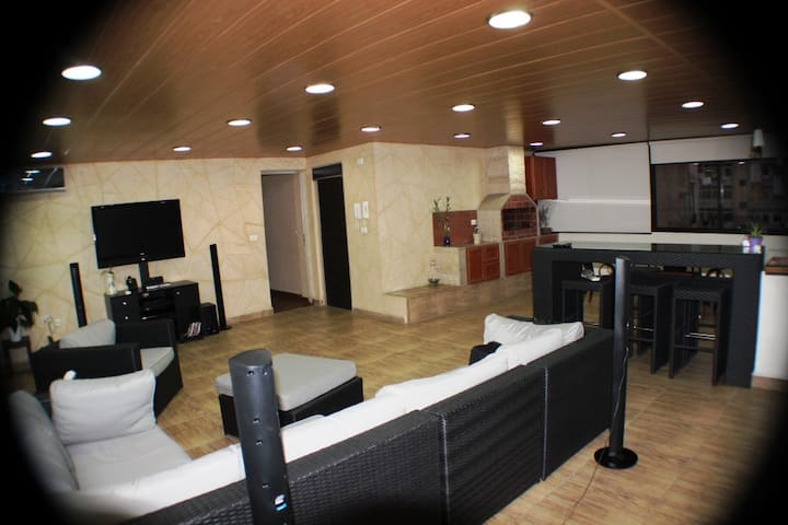 Amazing Apartment in Jdeideh - Jdeideh - Leilighet