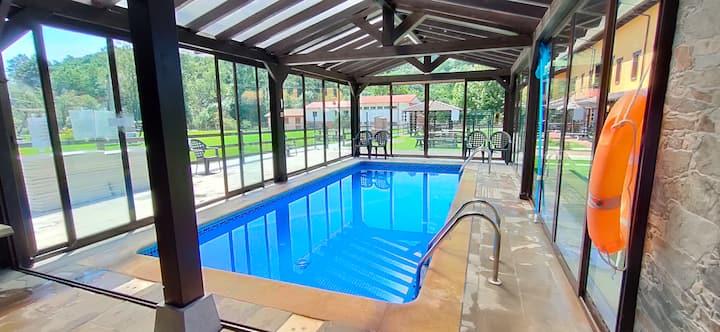 Estudio con piscina climatizada en Cangas de Onis