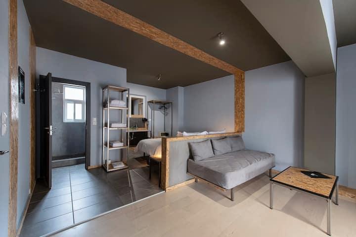 Piraeus Luxury Suite with Balcony
