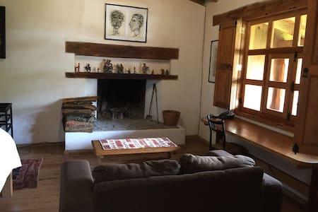 Casa de invitados (dos habitaciones, baño,cocina)