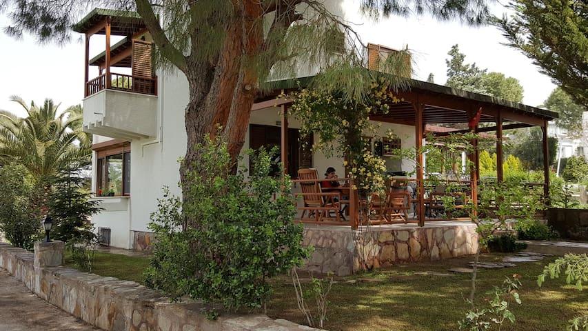 Artur güvercin koyunda dublex villa - Balıkesir Gömeç  - Villa