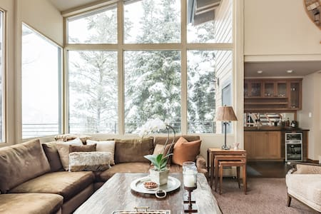 Enjoy Winter and Summer in This Peaceful Mountain Home