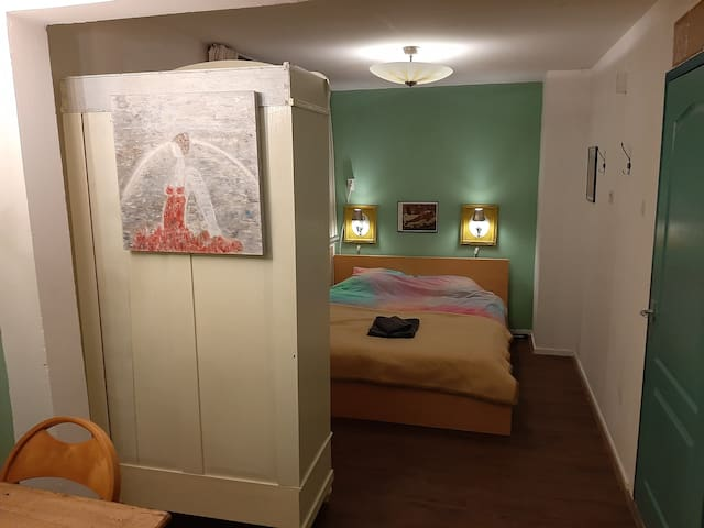 Cozy room Gauguin between Arnhem en Nijmegen