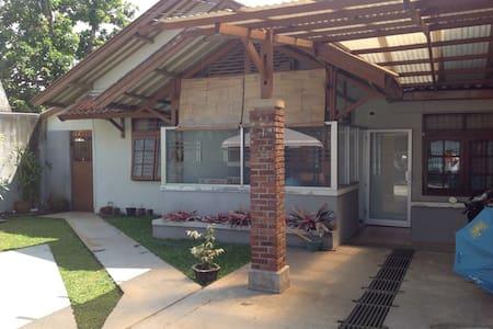 Rumah Ceu Yati - Bandung - Ev