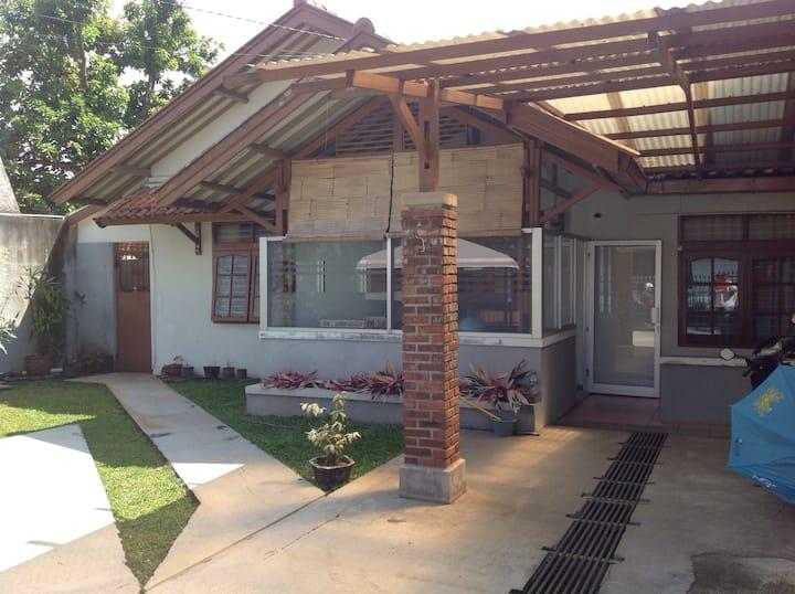Rumah Ceu Yati @ Gunung Batu near Pasteur