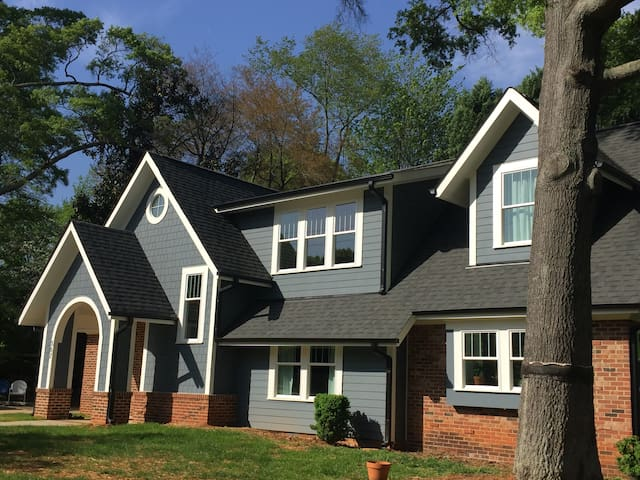Amazing Location- South End - New Large 5 Bed Home