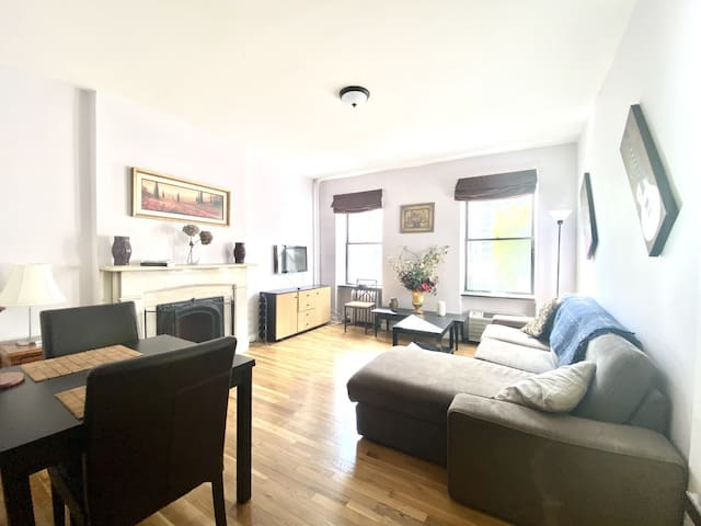 Stunning Private 1-Bedroom Apartment - Midtown
