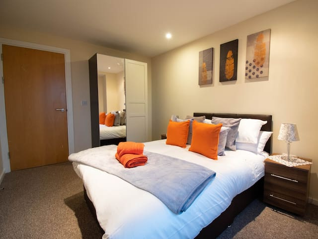 Stylish, Luxury Two-Bedroom Serviced Apartment