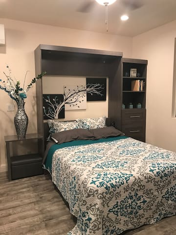 New private room-Relax in jacuzzi tub/steam shower