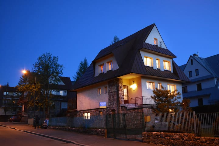 U Wierzbickich, Room  in the center of Zakopane - Zakopane - Huis