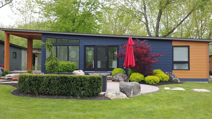 Beautiful modern cottage located on a golf course