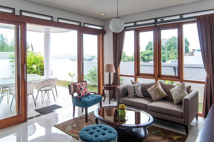 Cozy Home Rumah Krisan