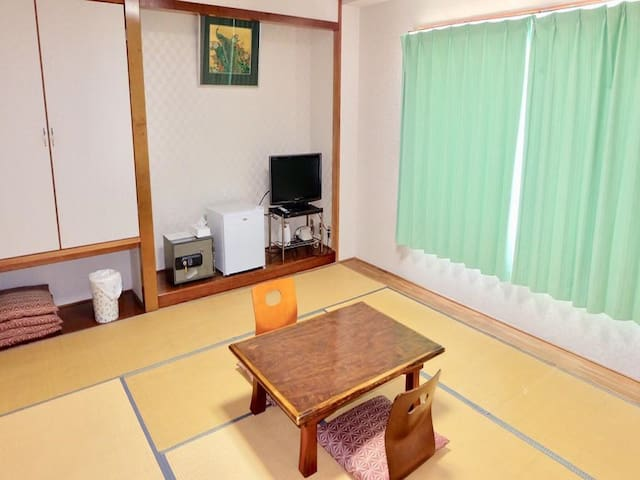 10mins->Motomachi Port/Japanese room+Toilet+2meals