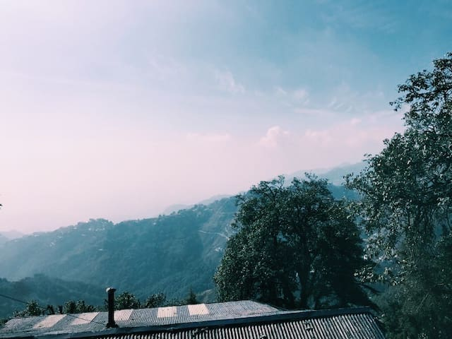 Wooden Forest Cabin with Stunning View in Landour
