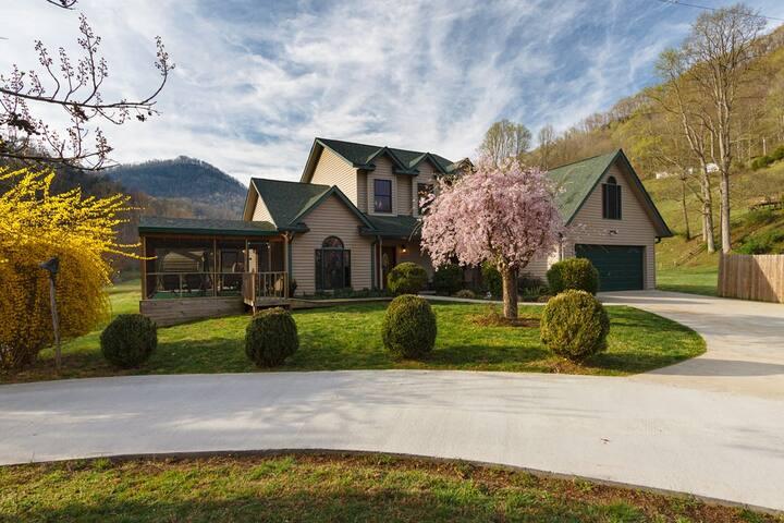 Meadow Creek Manor