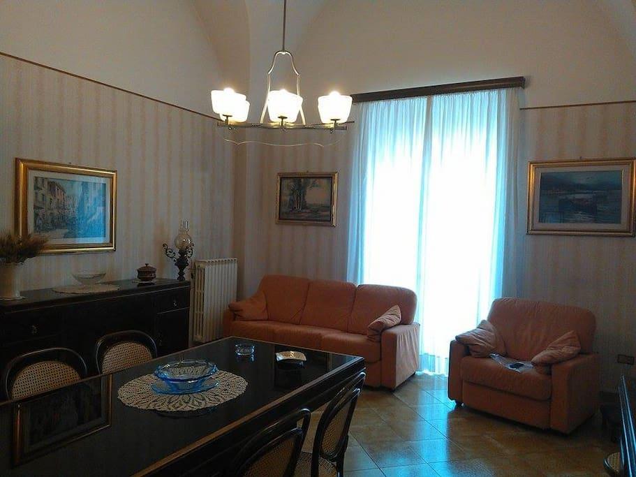 Palazzetto del 1600 apartments for rent in altamura italy for Gallery house altamura