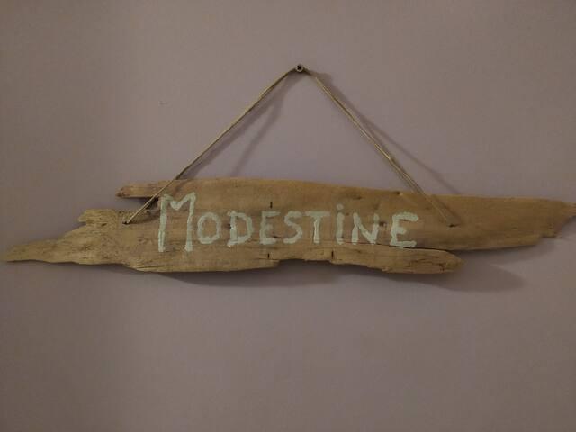 "Bed & Breakfast Chasseradès ""chambre Modestine"""