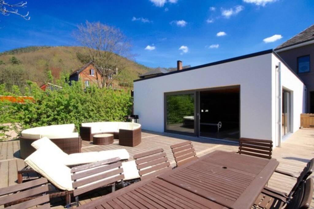 La terrasse de la villa