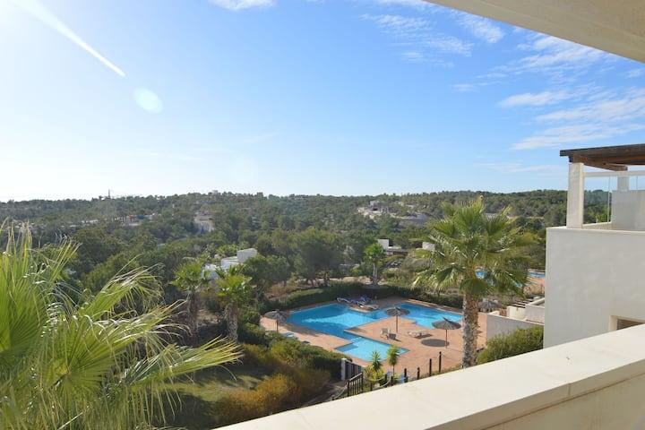 Joli appartement de luxe avec piscine partagée sur le Las Colinas Golf & Country