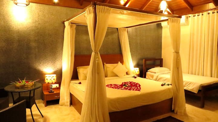 CAESAR'S VILLA - ROMANTIC | POOL | COORG