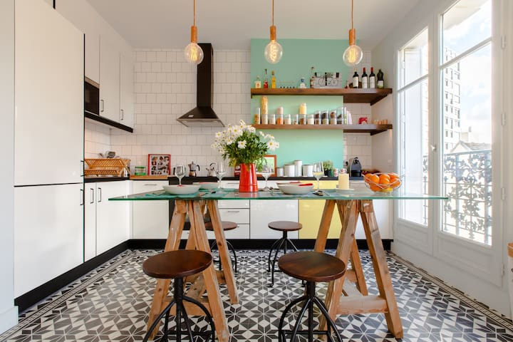 Very well-equipped kitchen area