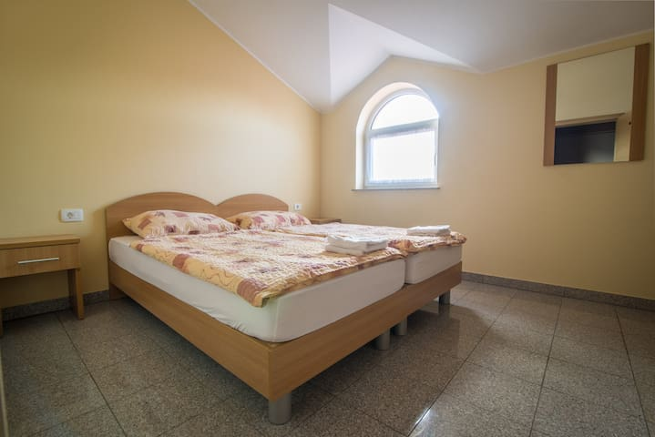 Double or twin room in Hrpelje - Hrpelje