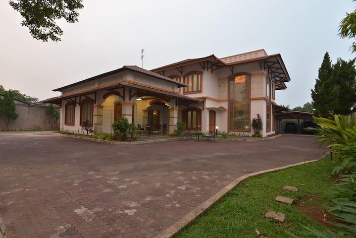 Kamar pribadi di rumah yang nyaman