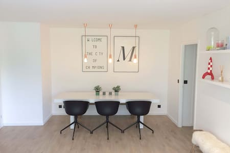 Spacious design apartement close to city center - Leuven