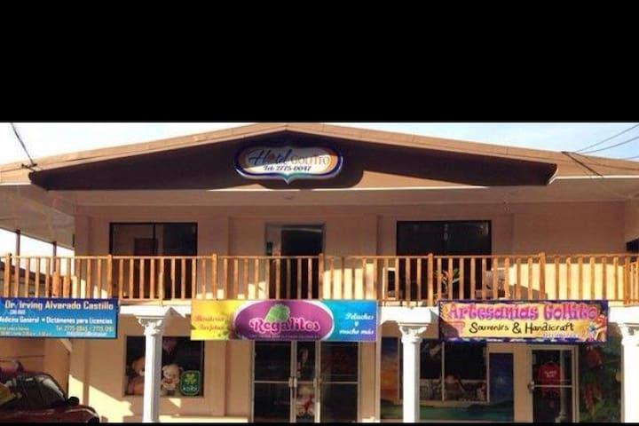 HOTEL GOLFITO