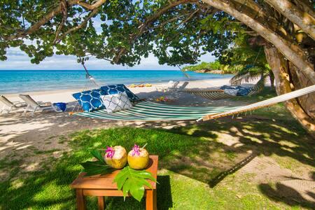 Villa Fantasy: private beach and private pool