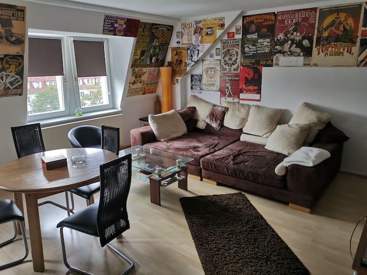 Großes, helles Zimmer im Szeneviertel Neustadt