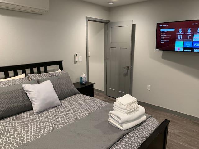 Judah's Brand New Downtown Apartment #3