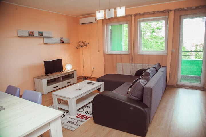 Sunny, brand-new Apartment with balcony 65m2