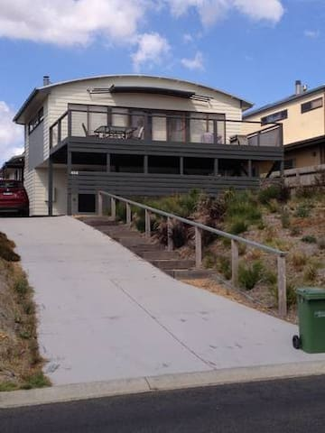 Beautiful Bay Beach House - Coronet Bay