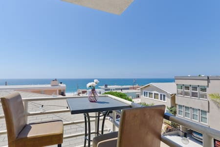 Luxury condo with beach view - Manhattan Beach