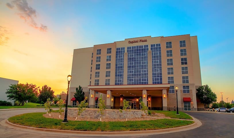 Welcome to Capitol Plaza Hotel & Convention Center Topeka.  Conveniently located near downtown.