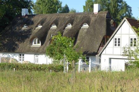 Reetdachhaus an der Wakenitz