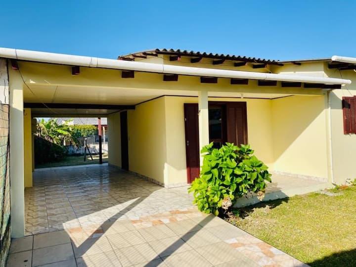 Casa ótima 50m da praia no centro casa 2 993881250
