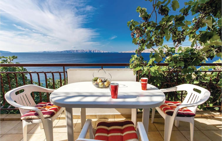 Holiday apartment with 1 bedroom on 45m² in Senj