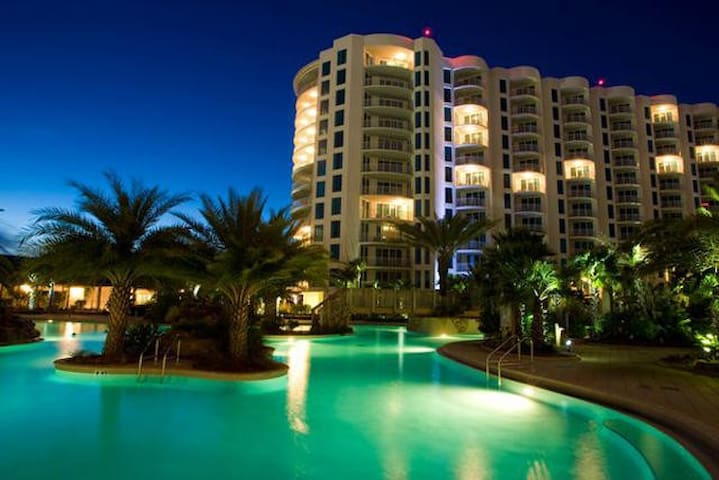 Palms of Destin - Lagoon Pool 3BR - Free Tram