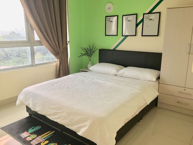 [CHEAPEST ROOM] MRT Station Cheras Condominium