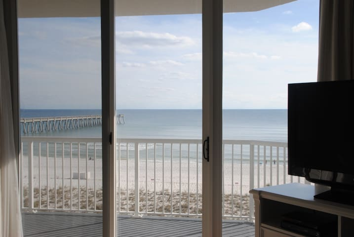 Secret Splendor, renovated Gulf Front, 4th Flr 3/2 - Navarre - Osakehuoneisto