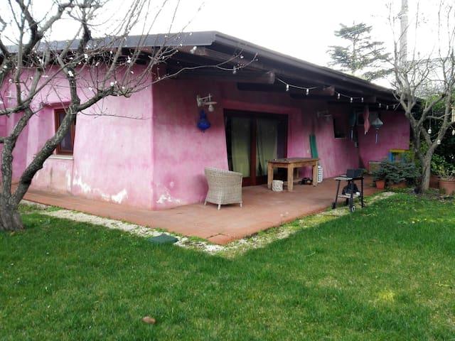 Bellissima villetta con giardino - castellana grotte - บ้าน