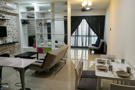 Affordable Studio with 15 mins away Sunway Pyramid - Subang Jaya - Daire